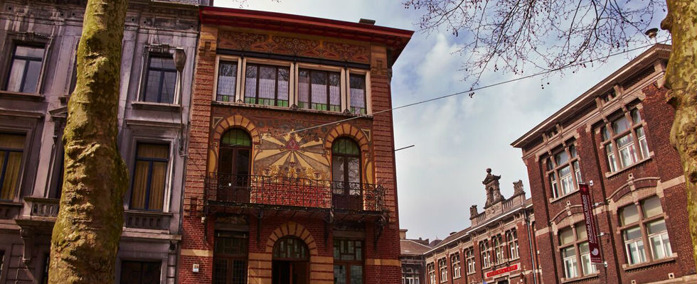 Foto van Art Nouveau architectuur in Charlero - Photo by Martijn Senders Photography