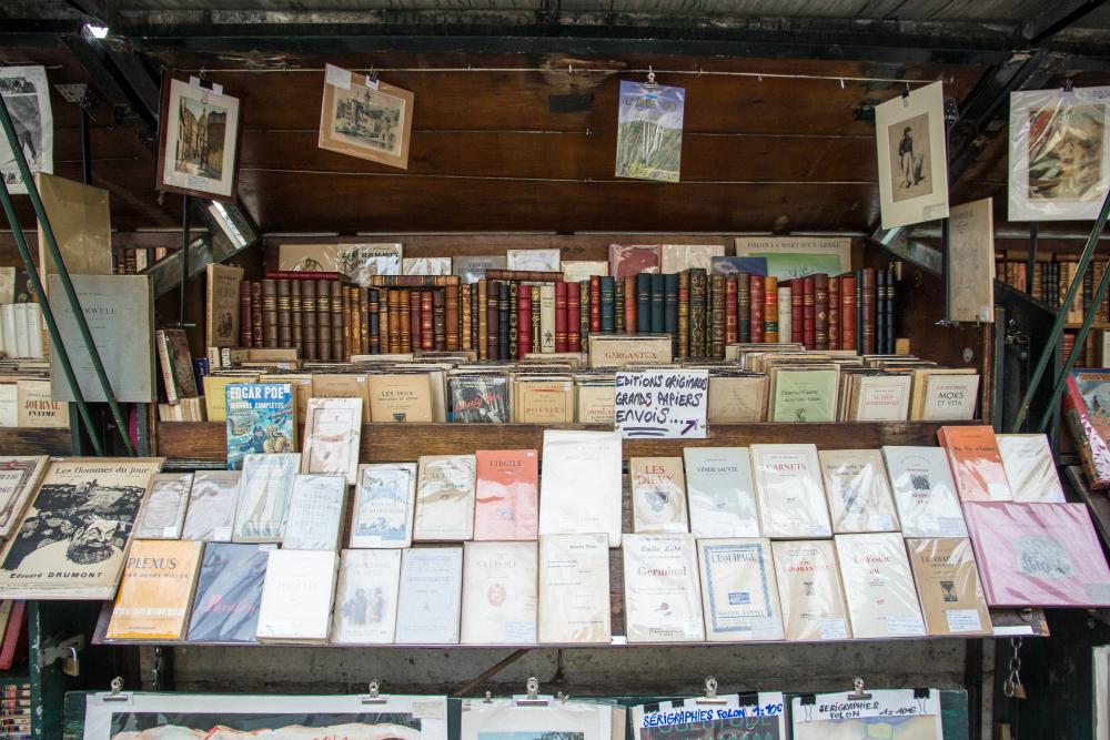 Boeken in Parijs. Beeld: Stephanie Versteeg