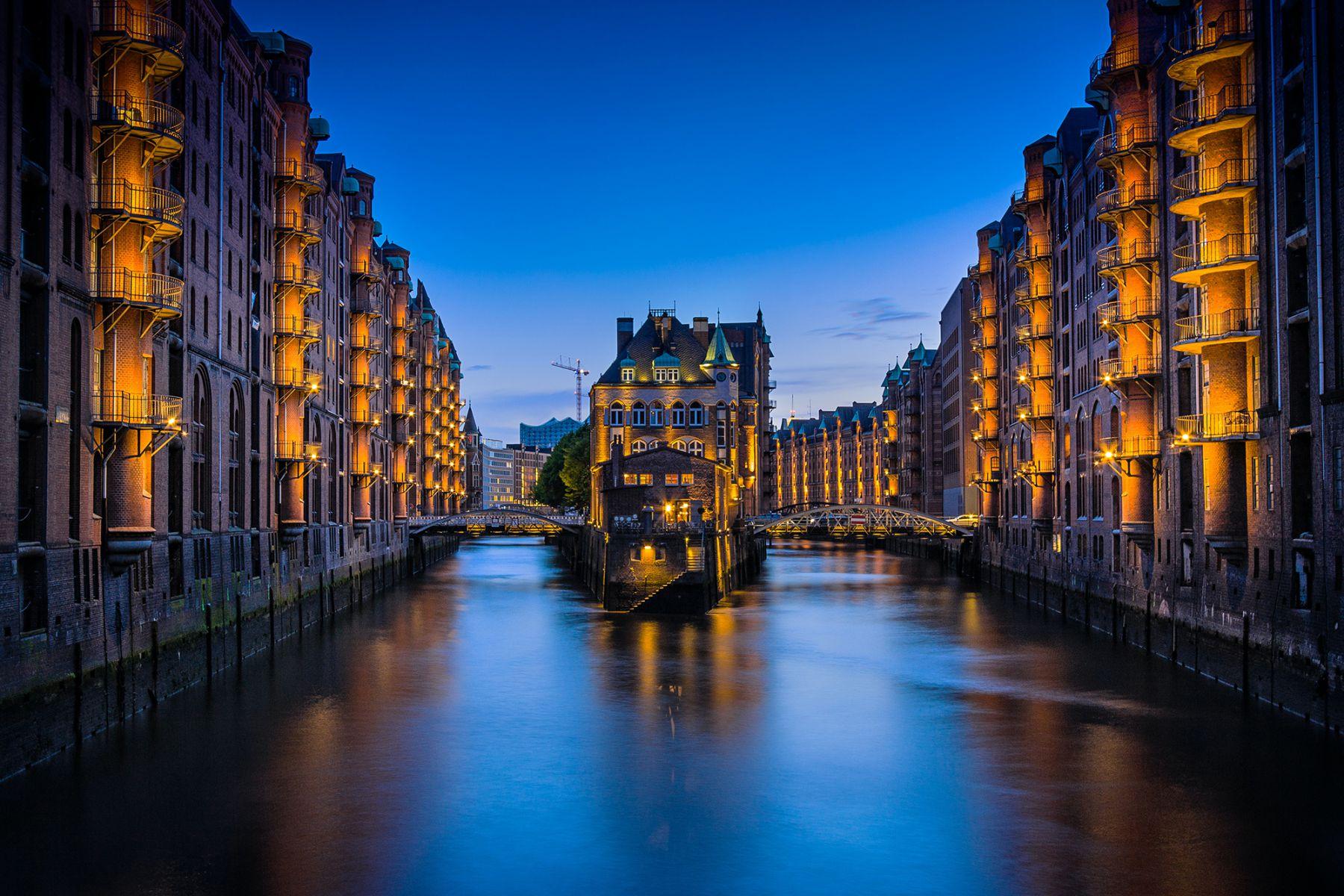 Speicherstadt in Hamburg | credit: Claudia Testa (Unsplash)