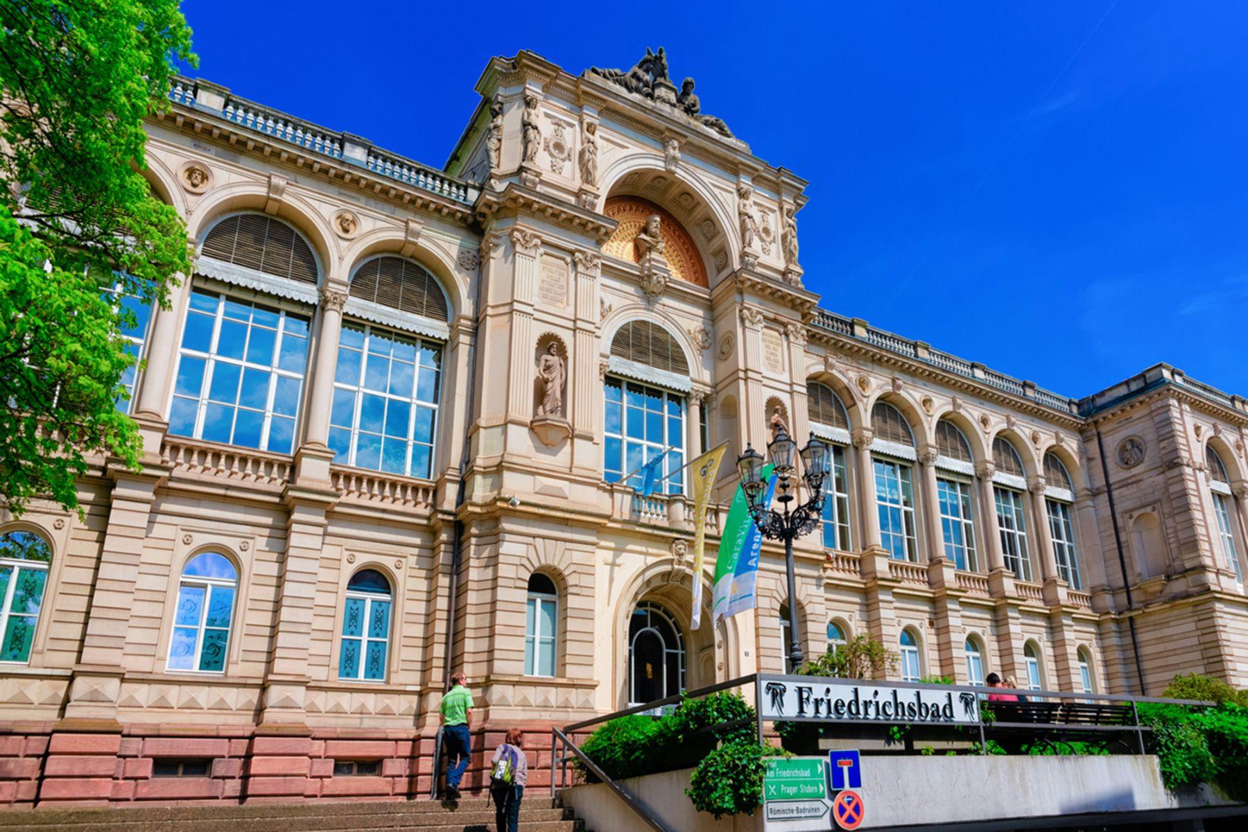 Het friedrichshaus in Baden-Baden | credit: RomanBabakin (iStock)