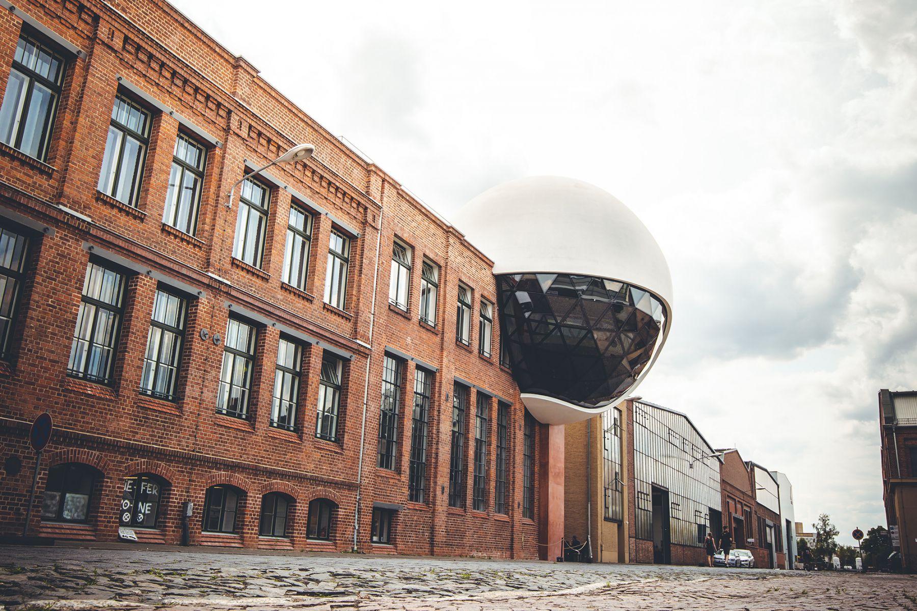 Techne Sphere van Oscar Niemeyer   credit: Leipzig Travel