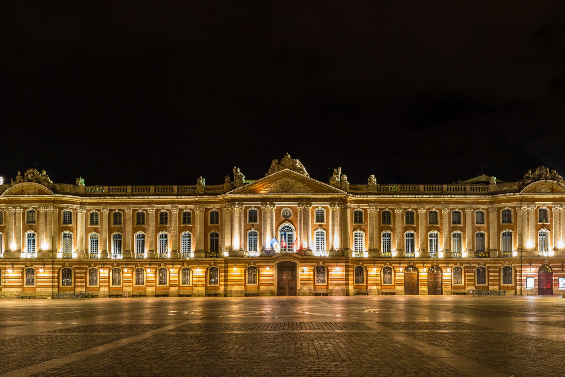 Het plein Place du Capitole in Toulouse | Beeld: Leonid Andronov (iStock)