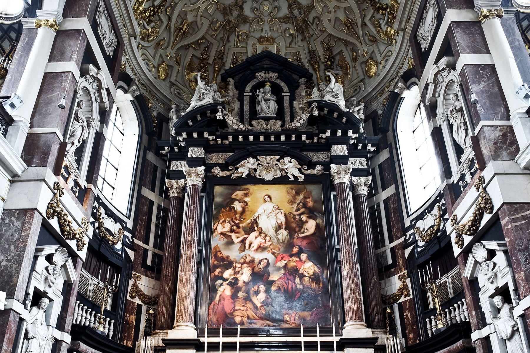 De prachtige Sint Carolus Borromeuskerk in antwerpen