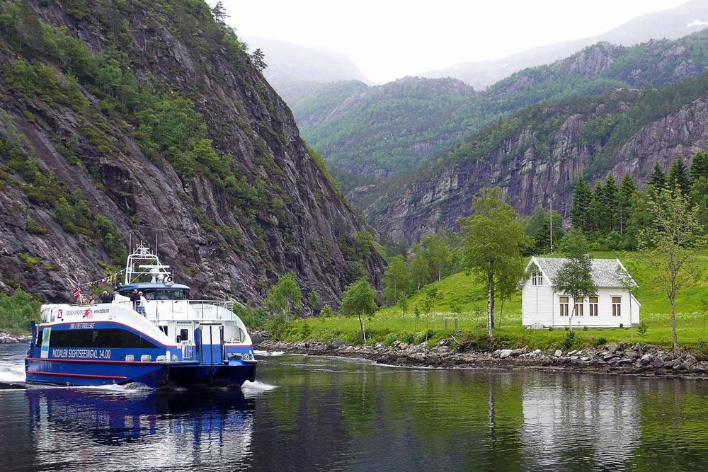 Boek tijdens je stedentrip naar Bergen een Fjordencruise. Beeld: VisitNoorwegen.com