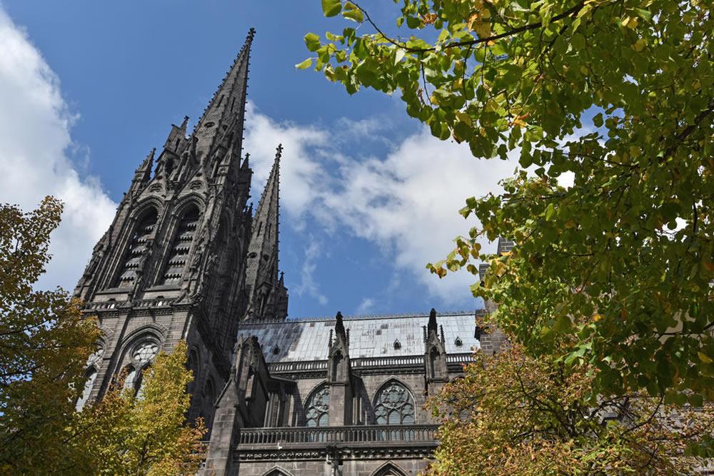 De Kathedraal van Clermont-Ferrand. Beeld: Comit Rgional de Dveloppement Touristique dAuvergne ClermontFerrand Cathdrale NotreDamedelAssomption