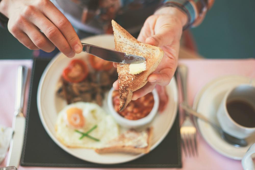 Ga ontbijten bij Pernikkel in Groningen. Beeld: lolostock (iStock)