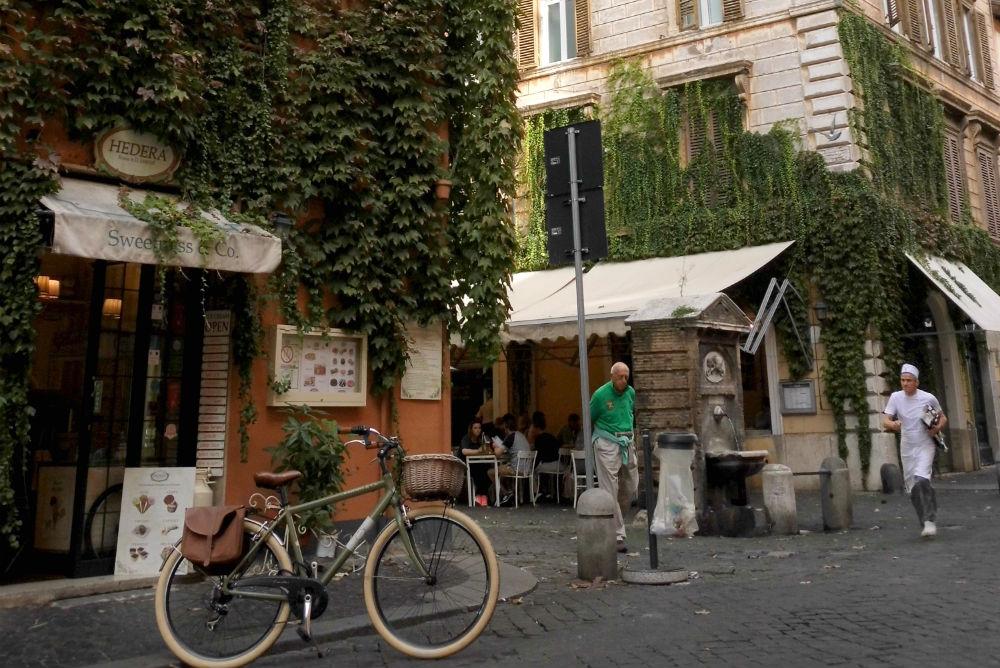 Borgo Pio Rome - credit: Lize Rensen